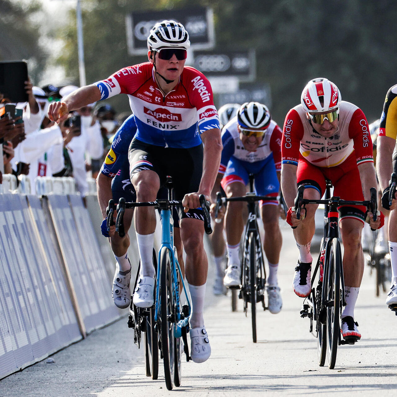 Van der Poel makes winning start to UAE Tour as Froome eases in - France 24