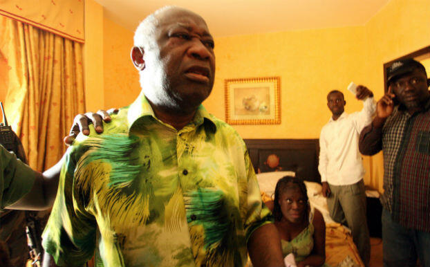 L'ex-président ivoirien Laurent Gbagbo et son épouse Simone ont été conduits à l'hôtel du Golf d'Abidjan, après leur arrestation le 11 avril 2011.