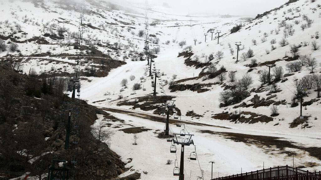Una vista general muestra parte del resort para esquiadores Mount Hermon en el área ocupada por Israel de los Altos del Golán el 26 de marzo de 2019.