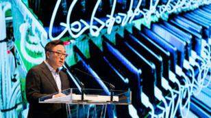 Koh Dong-jin, chef de la division mobile de Samsung Electronics, lors de la conférence de presse destinée à dévoilée les conclusions de l'enquête sur les explosions des Galaxy Note 7.