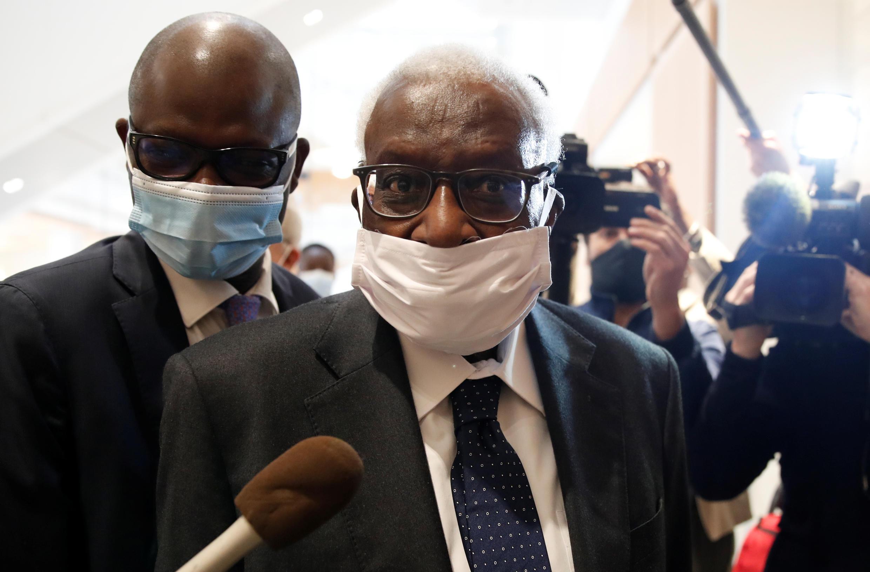 L'ancien président de la Fédération internationale d'athlétisme Lamine Diack à l'ouverture de son procès, le 8 juin 2020.