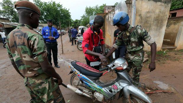 Decenas de militares fueron desplegados en Mali para intentar garantizar la seguridad durante los comicios del 29 de julio de 2018.