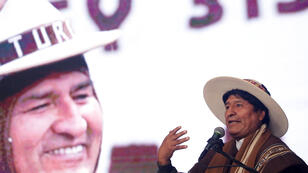 El presidente de Bolivia, Evo Morales, habla durante la ceremonia de apertura de la Convención de los Camélidos del Mundo en Oruro, Bolivia, el 21 de noviembre de 2018.