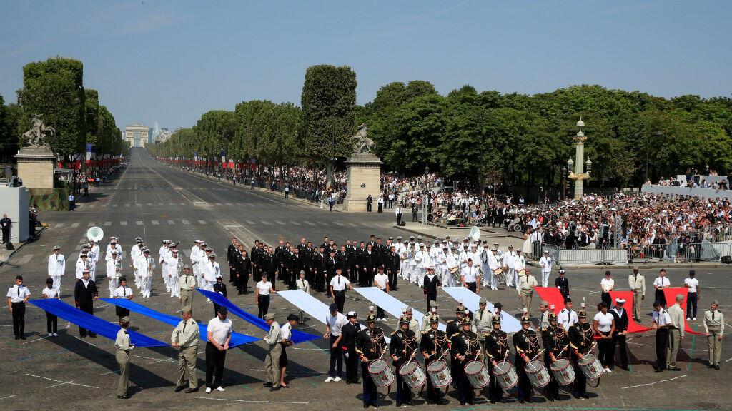 Bateristas de la Guardia francesa durante el desfile militar del Día de la Bastilla en París, Francia, el 14 de julio de 2018.