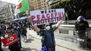 _3_ALGERIA-PROTESTS (1)
