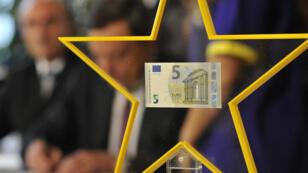 Une déflation d'environ 0,1 % est prévue dans la zone euro en 2015.