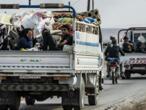 Trêve en Syrie: un convoi de blessés et de combattants kurdes quitte une ville assiégée