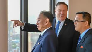 Les deux hommes à la tête des négociateurs des deux pays ennemis, en train d'admirer Manhattan, le 30 mai 2018.