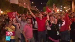 2019-10-14 19:06 التونسيون فخورون بديمقراطيتهم بعد انتخاب رئيس جديد للبلاد
