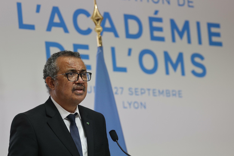 El Director General de la OMS, Tedros Adhanom Ghebreyesus, pronuncia un discurso durante la ceremonia de inicio de la construcción de la Academia de la Organización Mundial de la Salud en Lyon, este de Francia, el 27 de septiembre de 2021