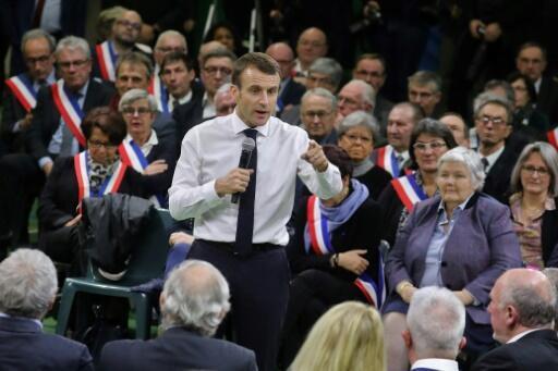 Emmanuel Macron lance le grand débat national, le 15 janvier 2019, devant les maires normands réunis à Grand Bourgtheroulde.