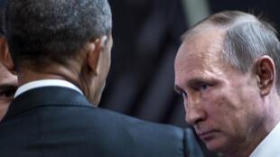 Barack Obama face à Vladimir Poutine, le 20 novembre 2016 à Lima.