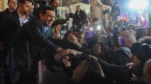 Les Grecs ont donné dimanche une victoire claire au parti de gauche radicale Syriza.
