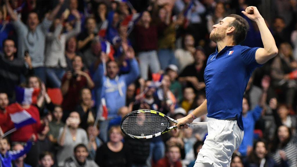 Adrian Mannarino a offert dimanche le point de la qualification en quarts de finale aux Bleus à l'issue d'un match marathon.