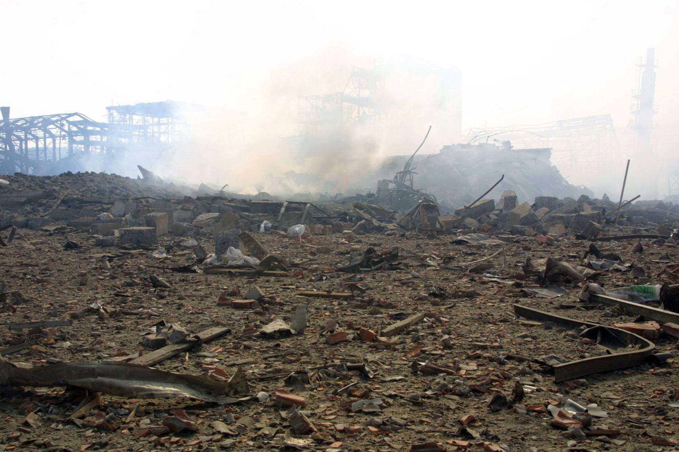 L'usine AZF, le 21 septembre 2001, à Toulouse, peu après l'explosion
