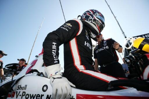 Newgarden leads four-driver fight for IndyCar title