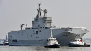 Le navire Sébastopol à Saint-Nazaire, le 16 mars 2015.