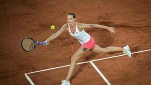 La Tchèque Karolina Pliskova lors de son match perdu contre la Lettone Jelena Ostapenko au 2e tour de Roland-Garros le 1er octobre 2020 à Paris