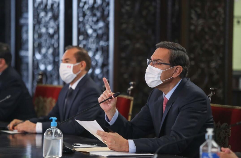 """El presidente peruano, Martín Vizcarra, pidió """"voltear página"""" tras un reciente choque de poderes con el Congreso. Su nuevo equipo ministerial buscará el voto de confianza del Parlamento en los próximos días."""