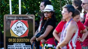 Des opposants au projet Montagne d'or, à Cayenne, le 9août2018.