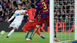 كريستيانو رونالدو سجل هدف الفوز لريال مدريد أمام برشلونة. 2016/04/02