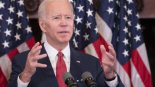 المرشح الديمقراطي إلى البيت الأبيض جو بايدن أثناء خطاب في فيلاديلفيا في 2 يونيو/حزيران 2020