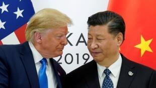 ترامب وشي جينبينغ في اجتماع ثنائي خلال قمة قادة مجموعة الـ20 في أوساكا اليابانية. 29 يونيو/حزيران 2019.