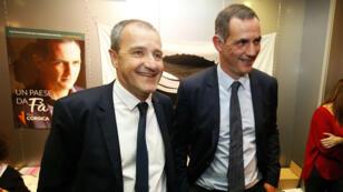 """Jean-Guy Talamoni et Gilles Simeoni célébrant la victoire de la liste nationaliste """"Pé a Corsica"""" (""""Pour la Corse"""") dimanche 3 décembre."""