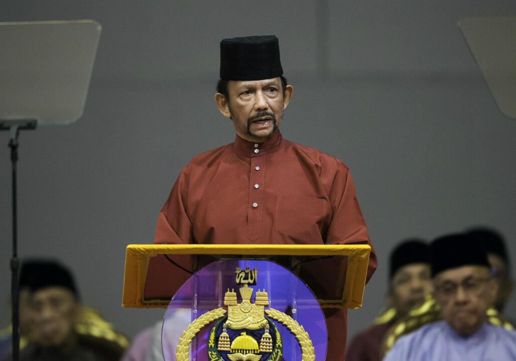 Le sultan annonçant la mise en place de la charia le 3 avril 2019.