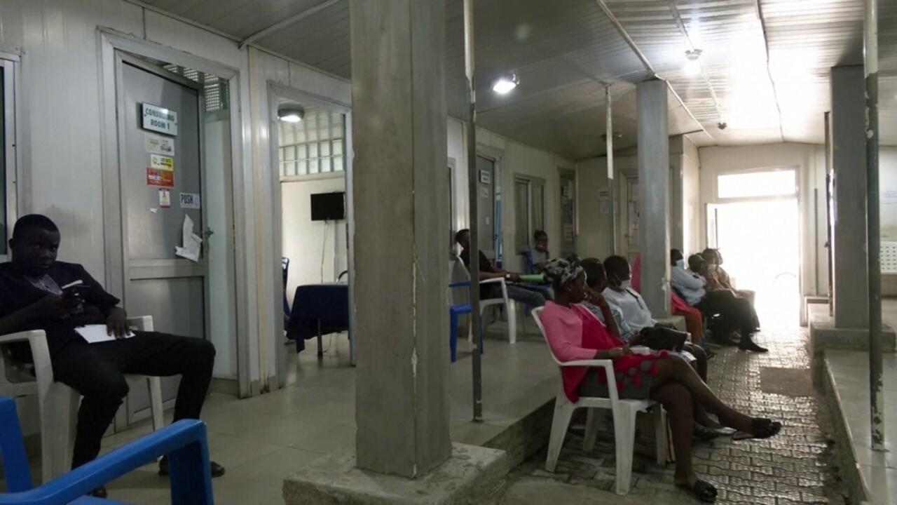 Eye on Africa - Doctors across Nigeria begin indefinite strike