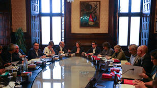 Carme Forcadell preside reunión del gabinete del Parlamento de la región de Cataluña, en Barcelona.