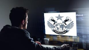 Les États démocratiques utilisent la propagande en ligne tout comme les régimes autoritaires.