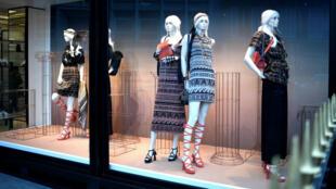 Les vêtements de luxe sont concernés par le projet de loi français contre le gaspillage non alimentaire.