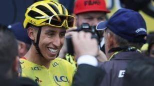 El ganador del Tour de Francia, Egan Bernal, a su llegada al homenaje que le rindieron en Zipaquirá, Colombia, el 7 de agosto de 2019.