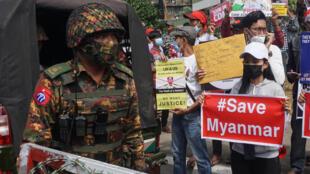 La mobilisation contre le coup d'État se poursuit en Birmanie.