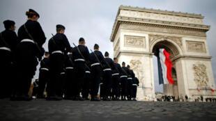 جنود فرنسيون في باريس - 10 نوفمبر/ تشرين الثاني 2018