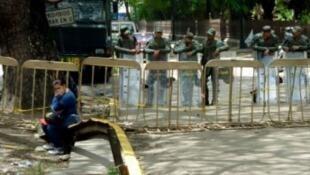 En aôut, des heurts dans une prison vers Caracas ont fait plus de 25 morts