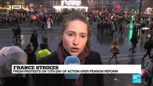 2019-12-17 17:10 Clashes reportedly erupted in Place de la Nation during France protests, France 24's Valérie Dekimpe says