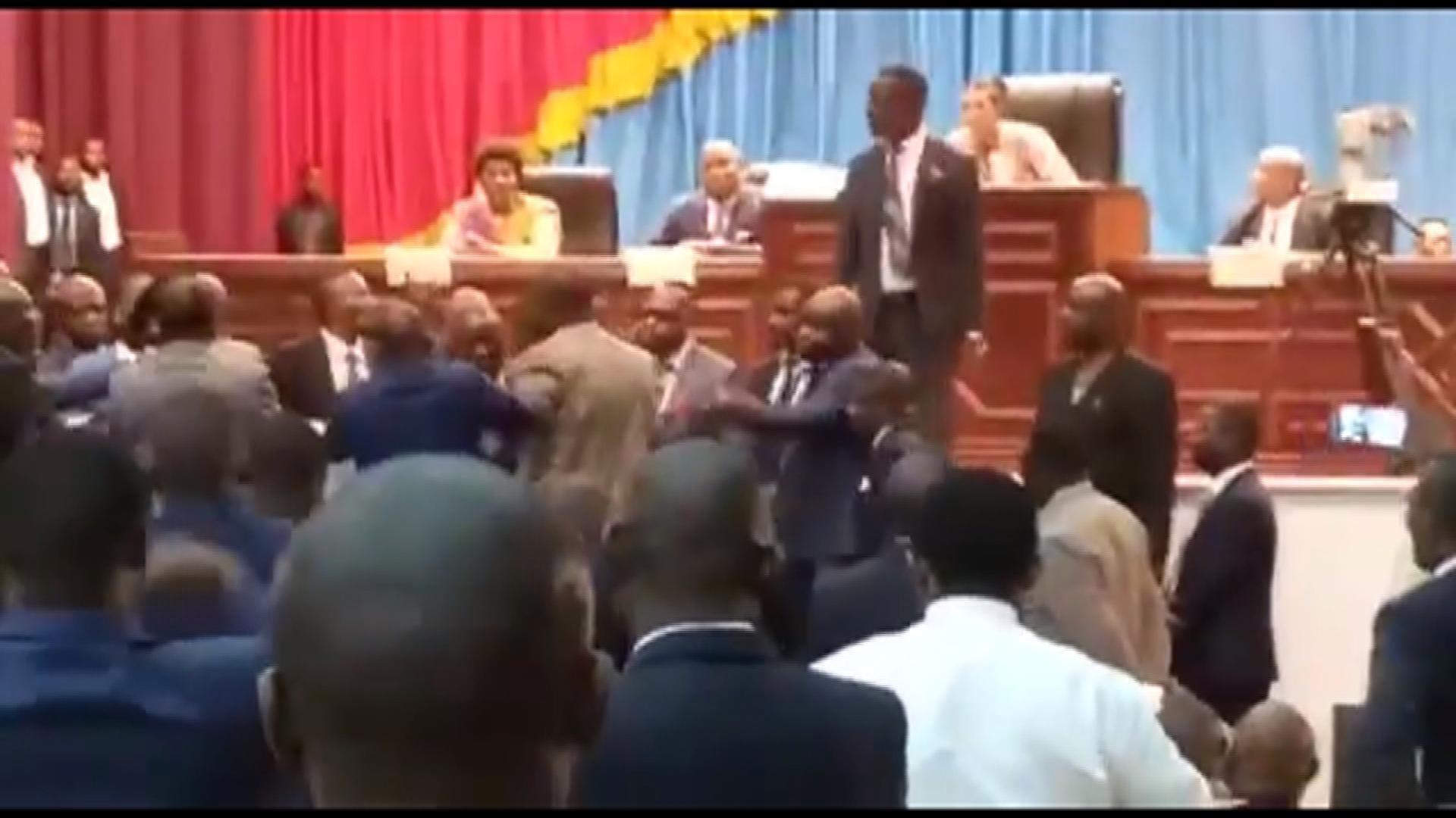 Bagarre entre députés à l'Assemblée nationale de RD Congo.
