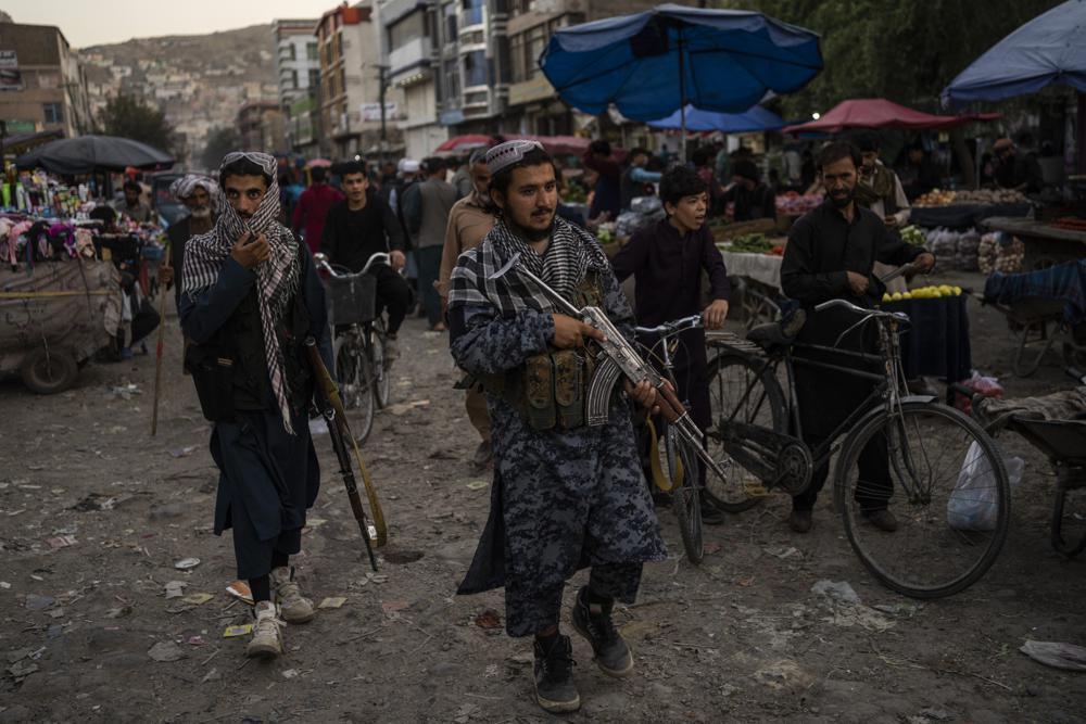 Los talibanes y la filial afgana del Estado Islámico están en guerra desde 2015 y rivalizan por el territorio este de Afganistán, donde se han producido numerosos combates entre ambas facciones.