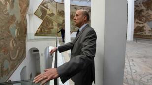 Alain Juppé lors d'une visite au Musée du Bardo, à Tunis, le 28 février 2016.