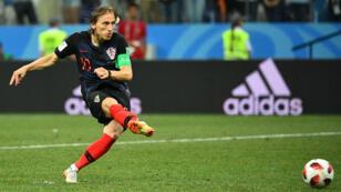 Le Croate Luka Modric et ses coéquipiers se sont qualifiés pour les quarts de finale, dimanche 1er juillet 2018.