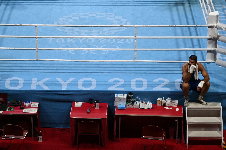 Mourad Aliev abasourdi après sa disqualification en quart de finale des JO de Tokyo, le 1er août 2021