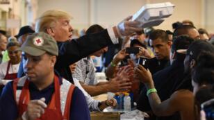 Le samedi 2 septembre, le président Trump s'est rendu dans un centre d'accueil de Houston.