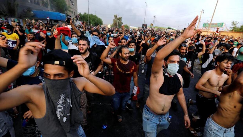 مظاهرات العراق: ارتفاع حصيلة القتلى والسلطات تعيد إغلاق المنطقة الخضراء