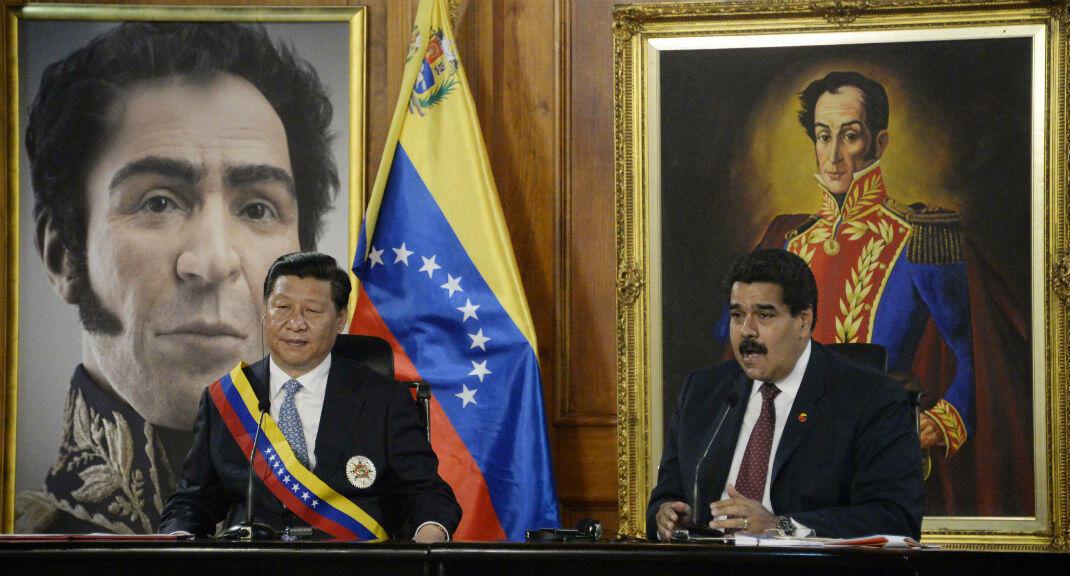 El presidente de Venezuela, Nicolás Maduro, recibió con honores a su homólogo chino, Xi Jinping, en el Palacio de Miraflores el 20 de julio de 2014.