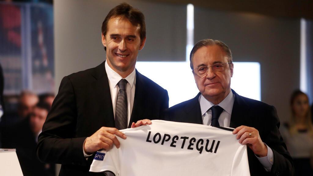 El nuevo técnico del Real Madrid, Julien Lopetegui, en su presentación junto a Florentino Pérez