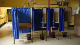 Depuis vendredi soir à minuit, les médias ont l'obligation de ne plus relayer les propos des candidats.