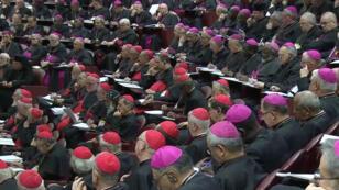 Miembros del clero asisten al tercer día de cumbre sobre crisis mundial de abuso sexual en el Vaticano, el 23 de febrero de 2019.