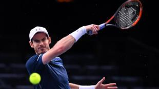 Andy Murray a bénéficié du forfait de Milos Raonic en demi-finale du Masters 1000 de Paris-Bercy, le 5 novembre 2016.